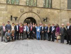 """L'Ajuntament de Lleida, amb la campanya """"El reflex del nostre suport"""" de l'AECC."""