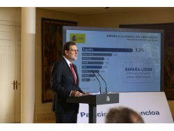 Rajoy clou l'any oposant-se al referèndum